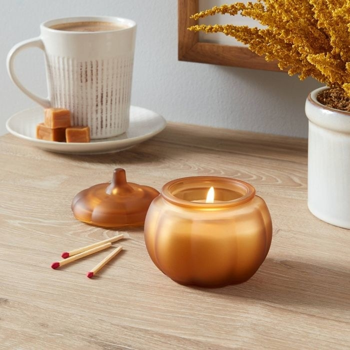 the glass pumpkin candle
