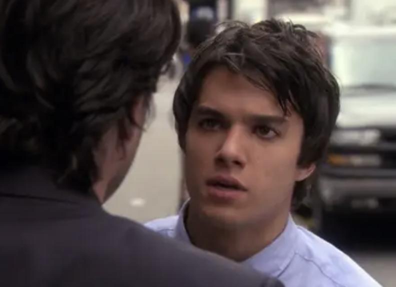 Scott talking to Rufus