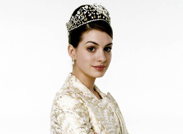 Anne wears a crown in a promo photo from Princess Diaries