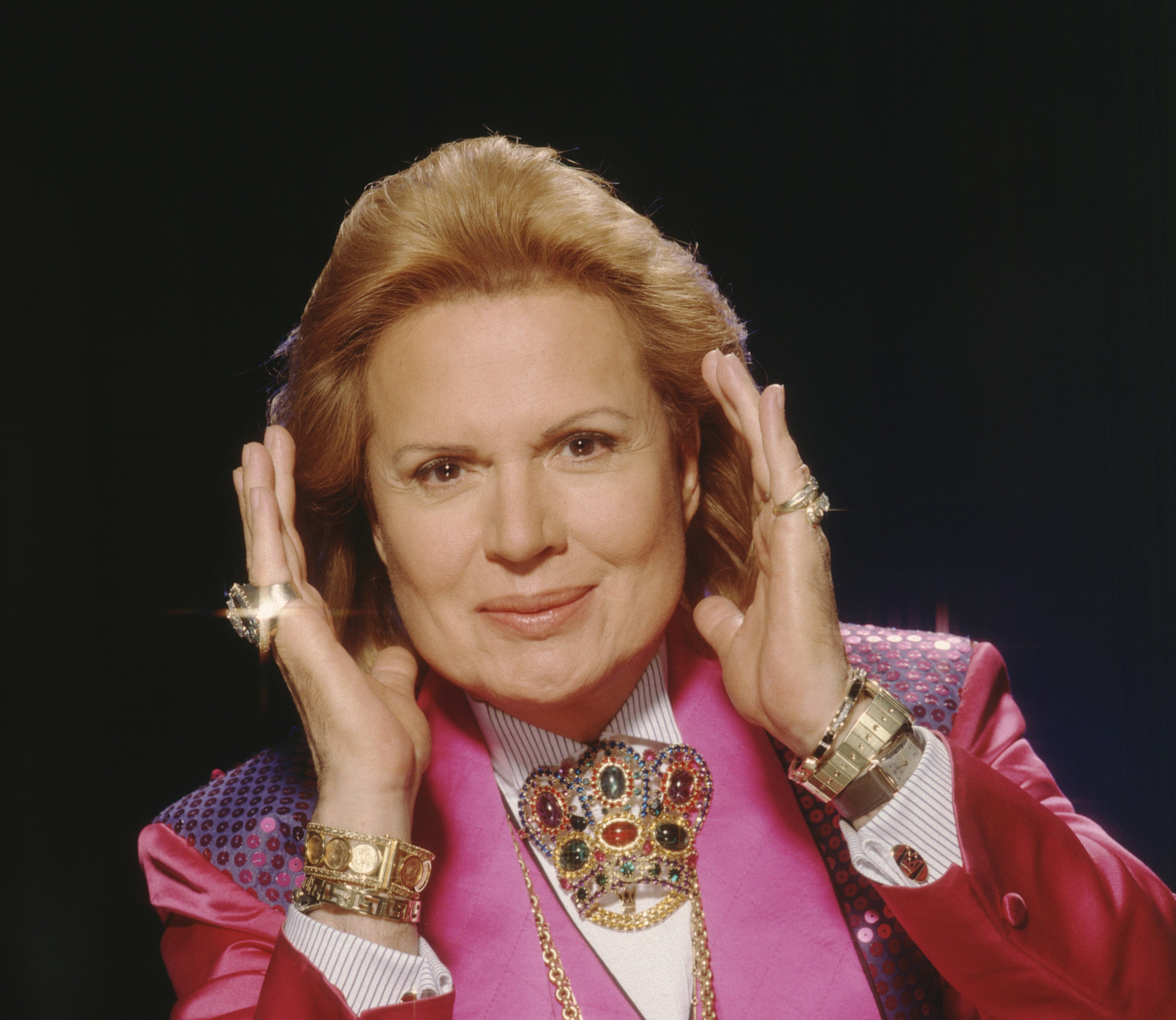 Psychic Walter Mercado poses for a portrait in 2001 in Los Angeles, California.