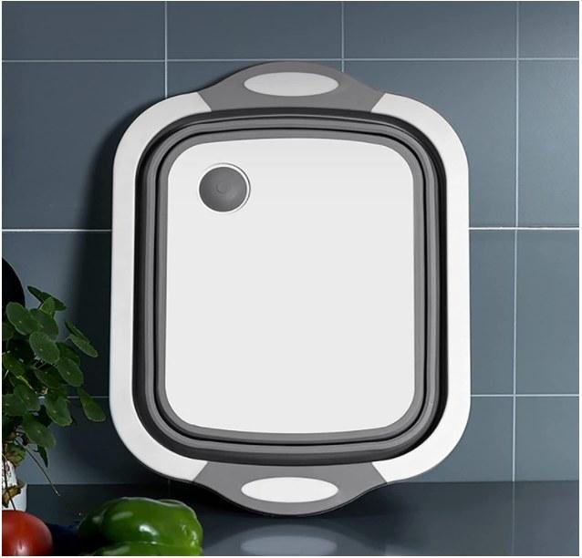 Foto de tabla para picar comida que se convierte en bowl