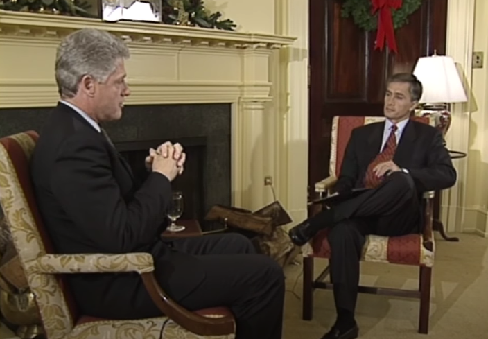 Jorge Ramos interviewing Bill Clinton in the White House