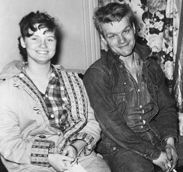 Caril Ann Fugate and Charles Starkweather posing for a photo together