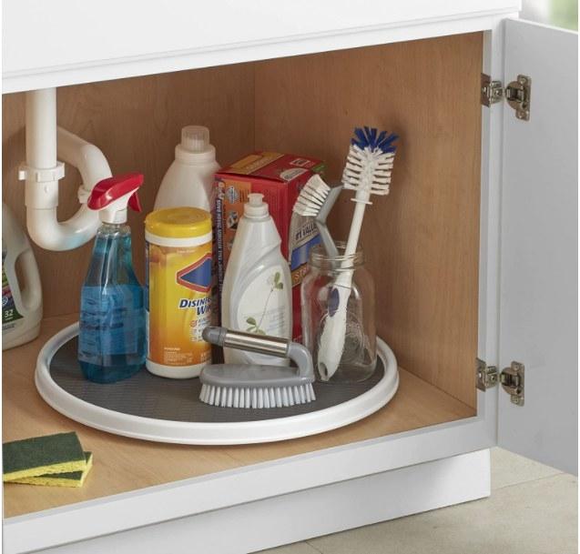 Foto de mesa giratoria para organizar productos