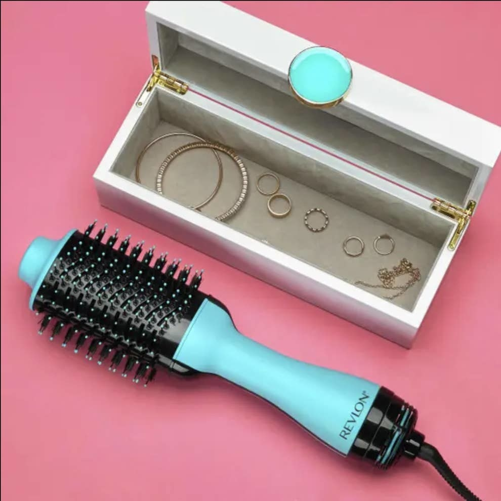 cepillo secador y voluminizador de Revlon