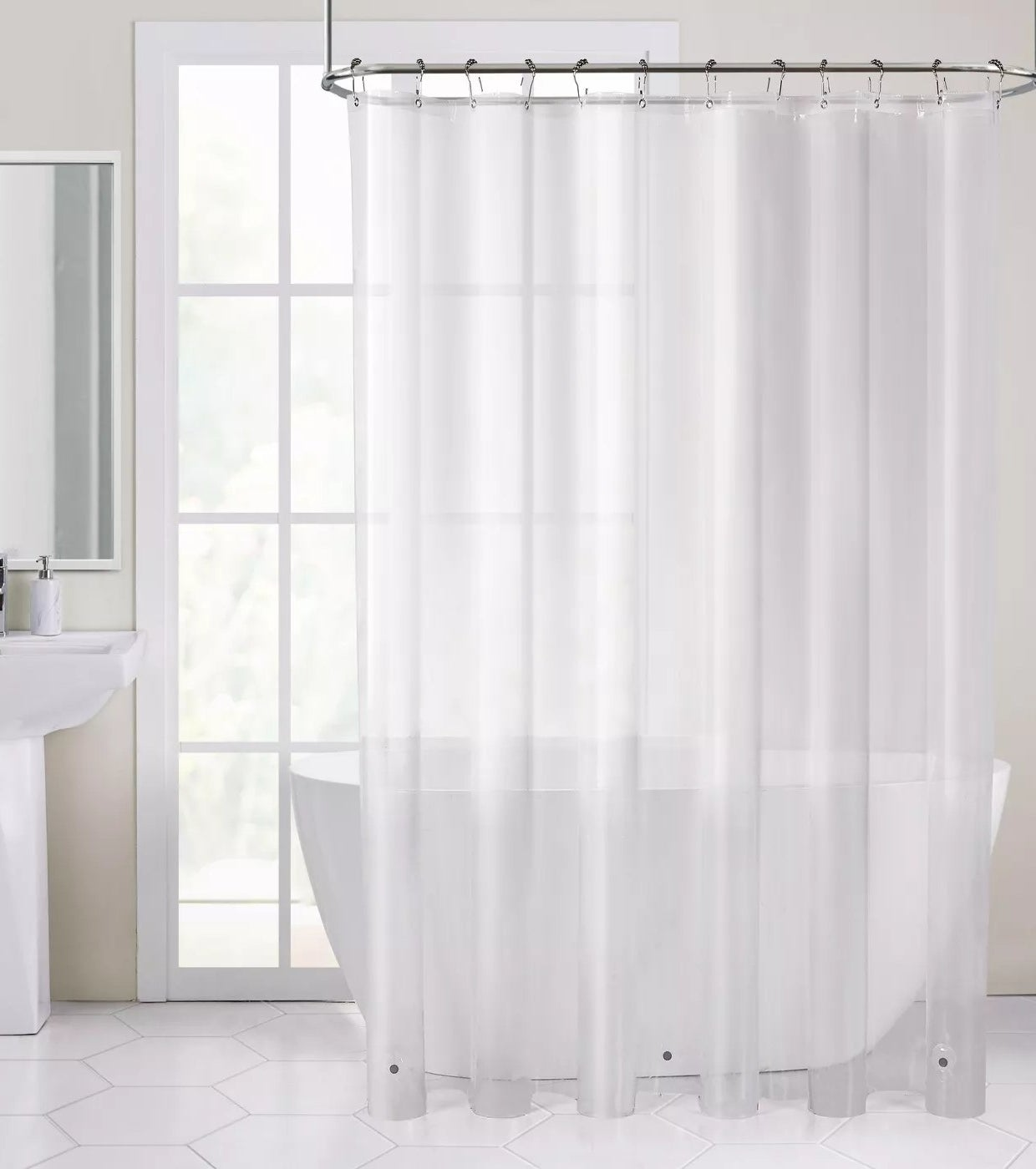 The curtain liner