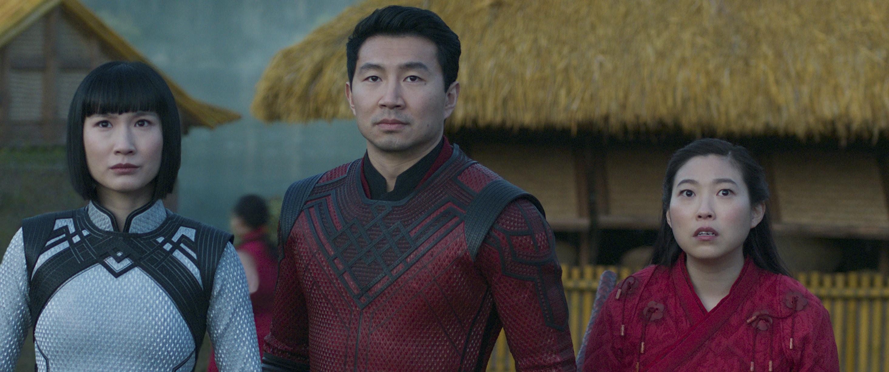 Meng'er, Simu, and Awkwafina in Shang Chi