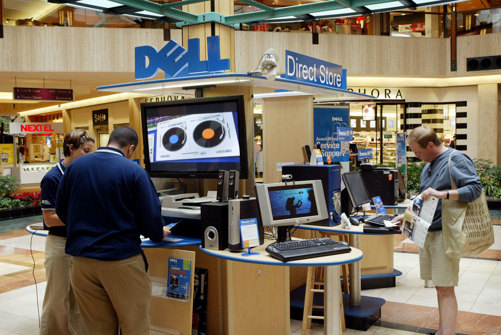 A Dell kiosk in the mall
