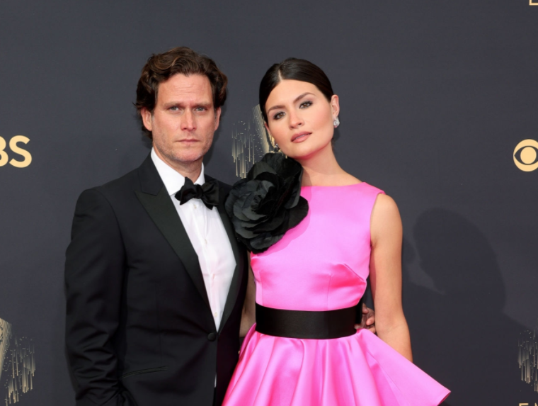 A close up ofPhillipa Soo and Steven Pasquale
