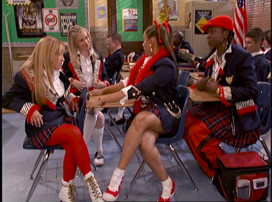 """Raven sitting with the popular girls on """"That's So Raven"""""""