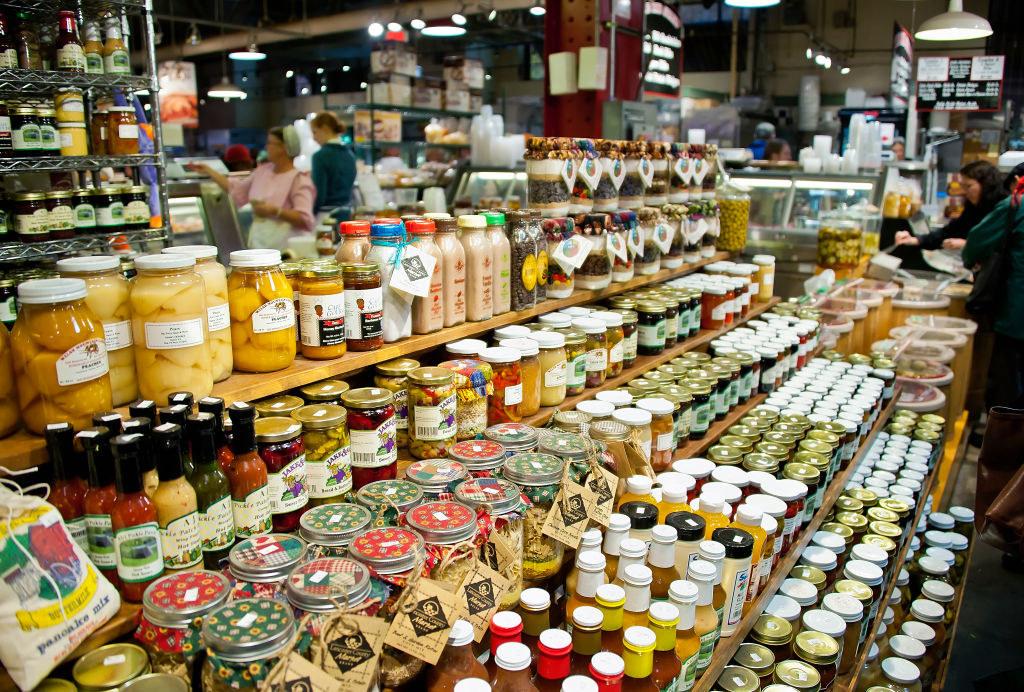 huge farmers market