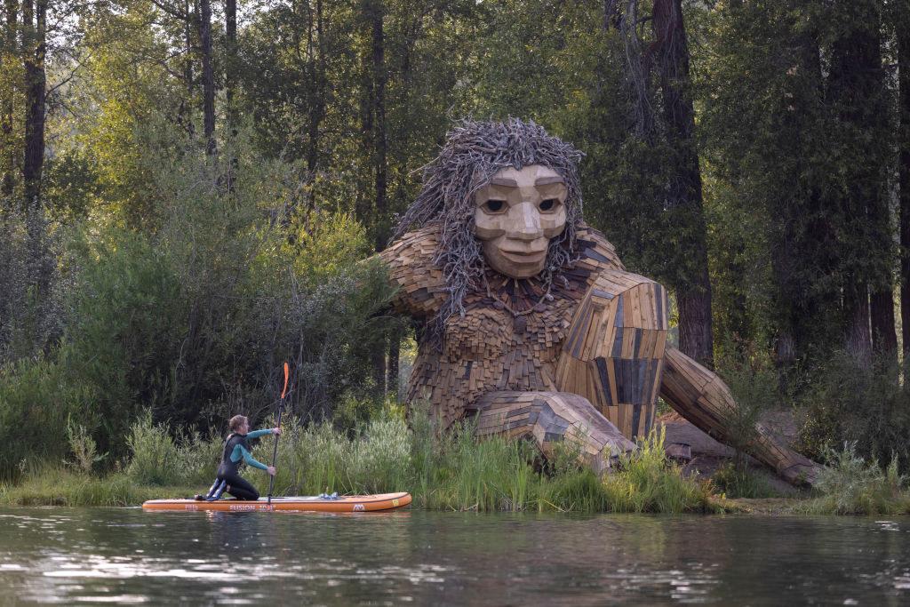 wooden giant sculpture