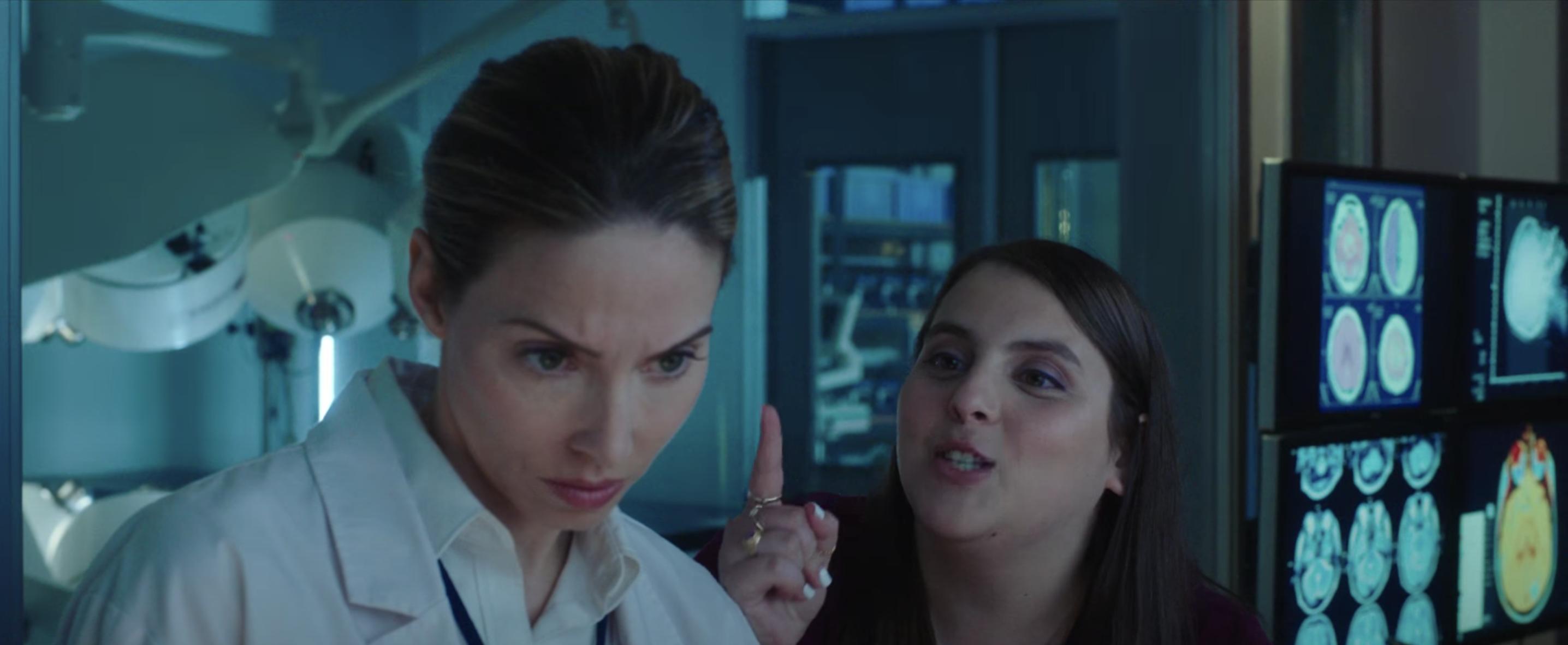 """Beanie as Abby in """"The Female Brain"""""""