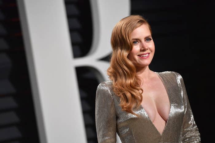 Amy Adams attends the 2017 Vanity Fair Oscar Party hosted by Graydon Carter in a metallic gown