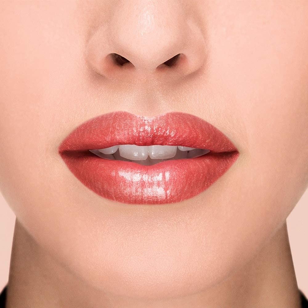 Brillo labial con efecto voluminizante