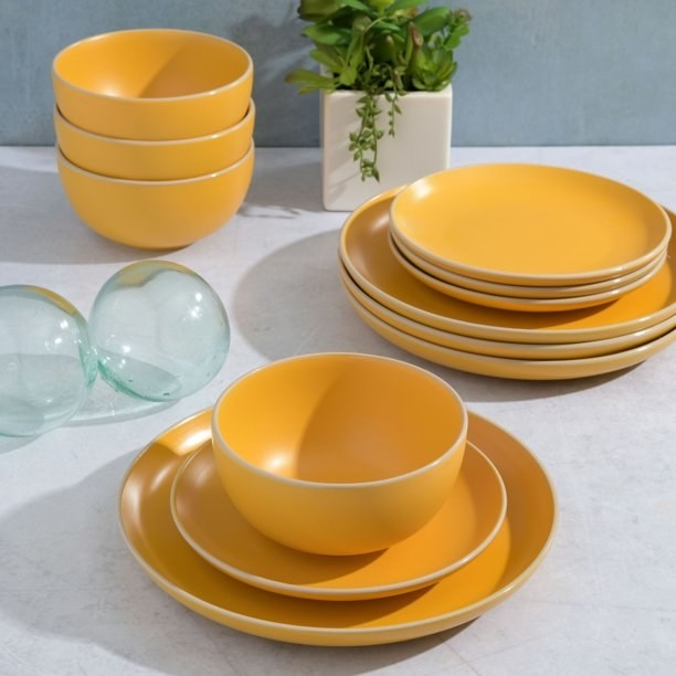 the dishes in yellow