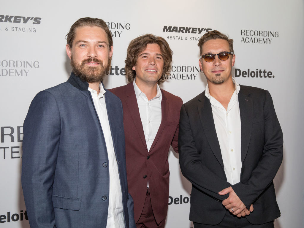 pic of the hanson brothers
