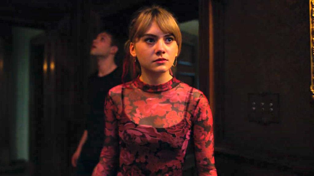 Amelia Jones as Kinsey looking concerned