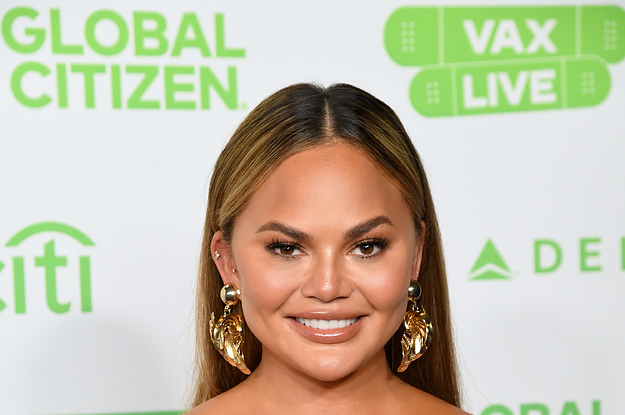 """Chrissy Teigen Thinks Everyone Is """"Too Conditioned To Seeing Perfect Photos All Day"""" So She's Letting Her Instagram Grid Reflect That She's """"A Mess"""" And """"Chaotic"""""""