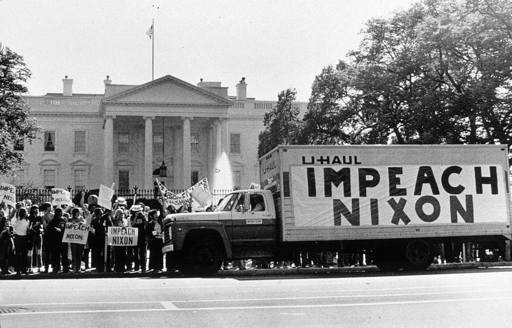 Protestors outside the White House demanding that Nixon resign