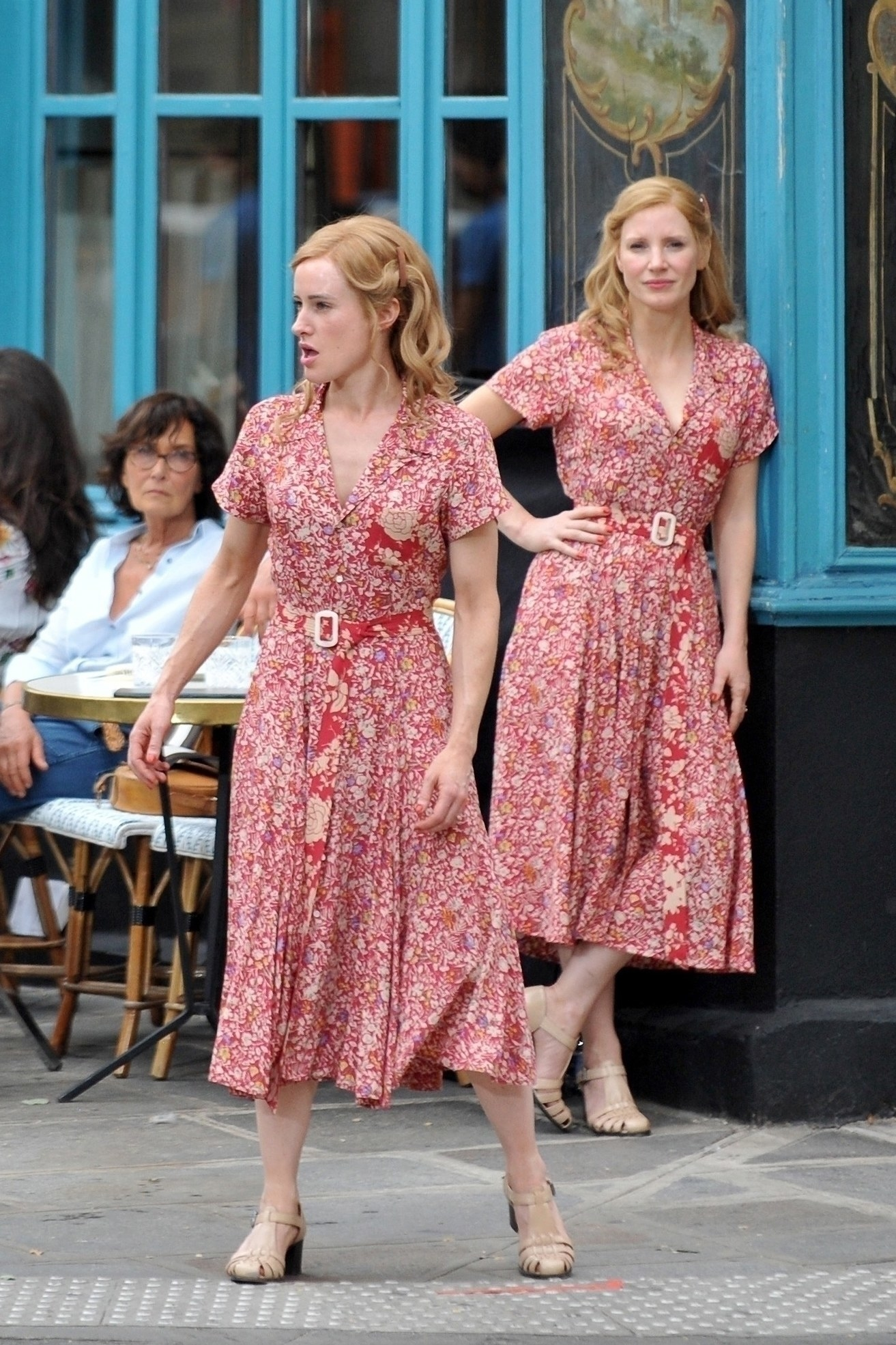 Jessica Chastain and her stunt double filming