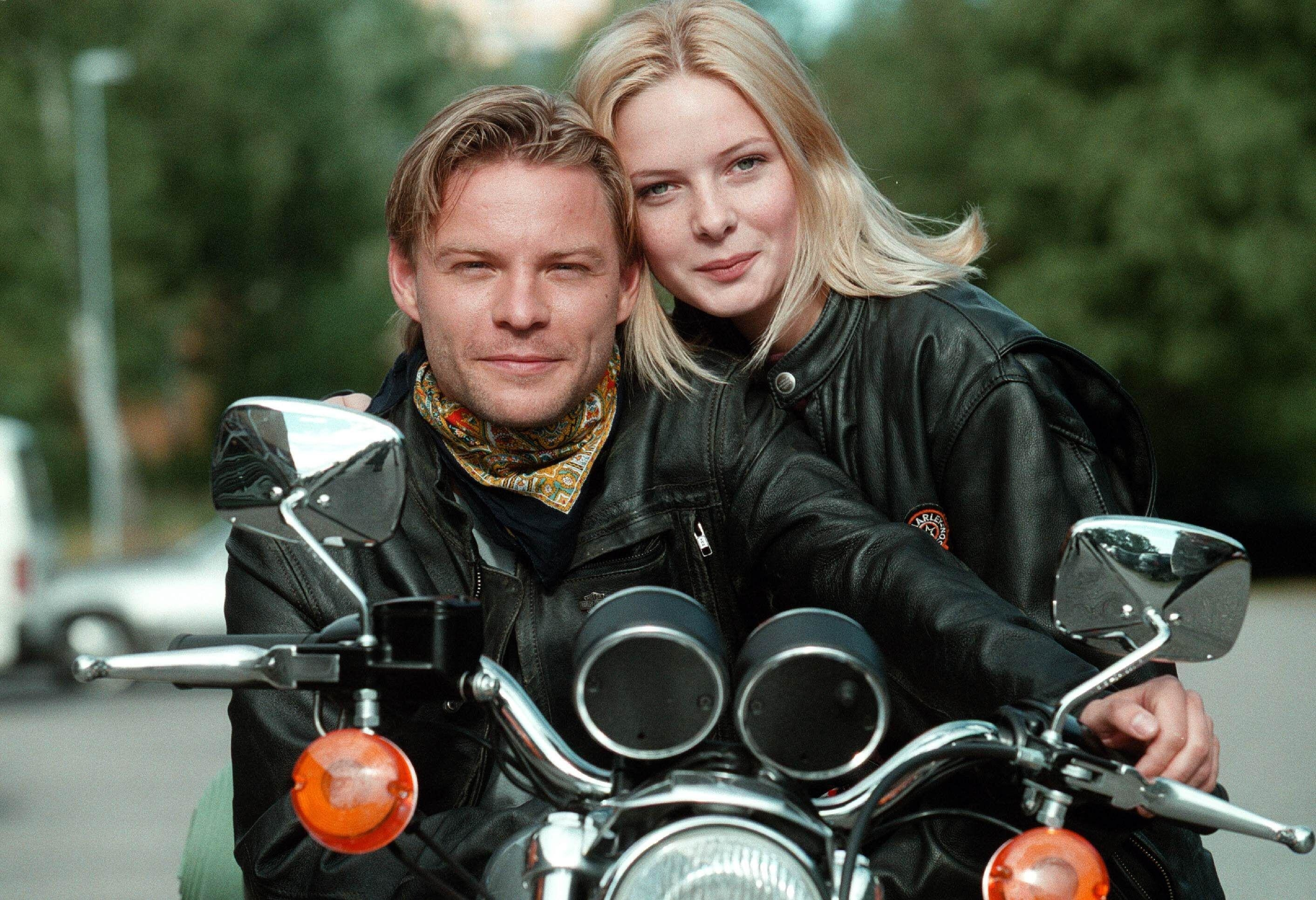 """Still of Rebecca and actor Kim Sulocki on a motorcycle from """"Nya Tider"""""""