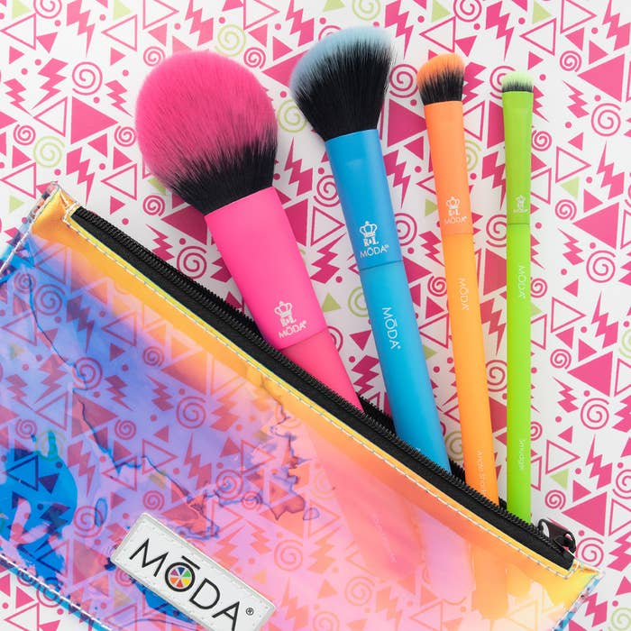 The eclectic five-piece make-up brush set