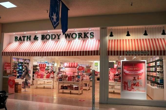 A Bath & Body Works in a mall