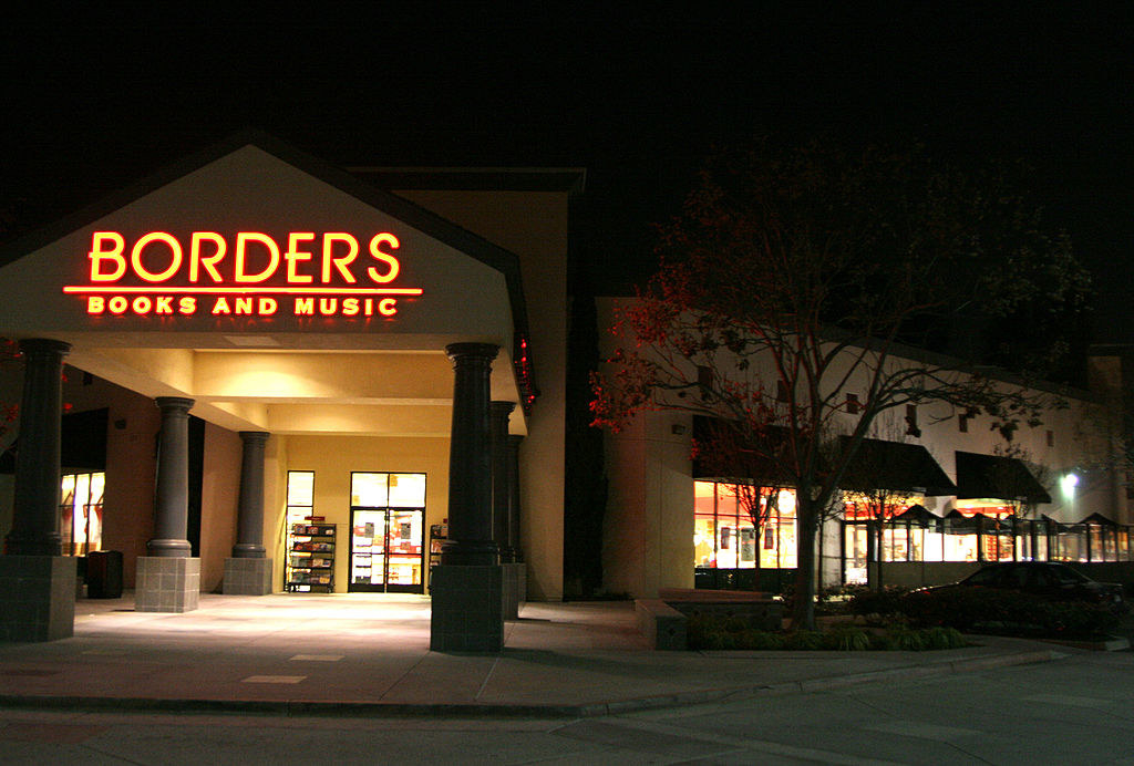 The exterior of a Borders