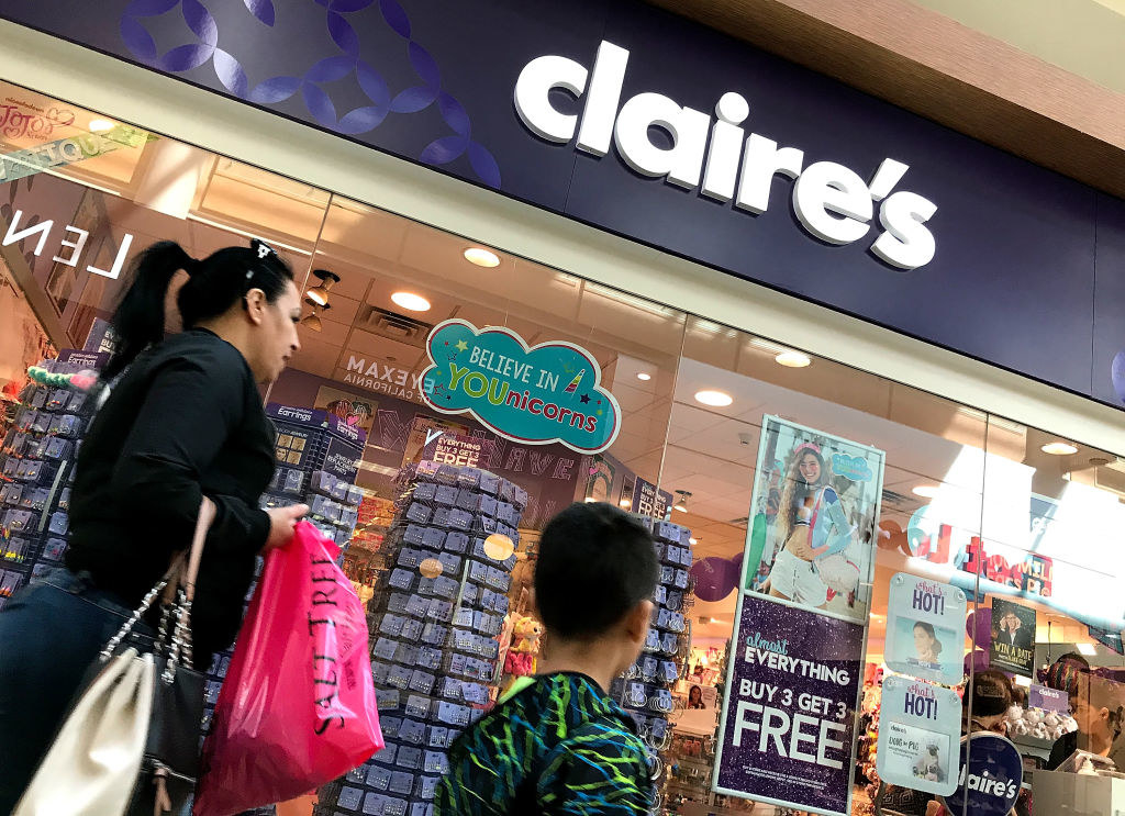 Claire's at a mall