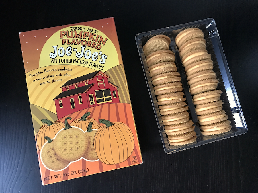 The box of Pumpkin flavored joe joe's with the oreo-like cookies on the side