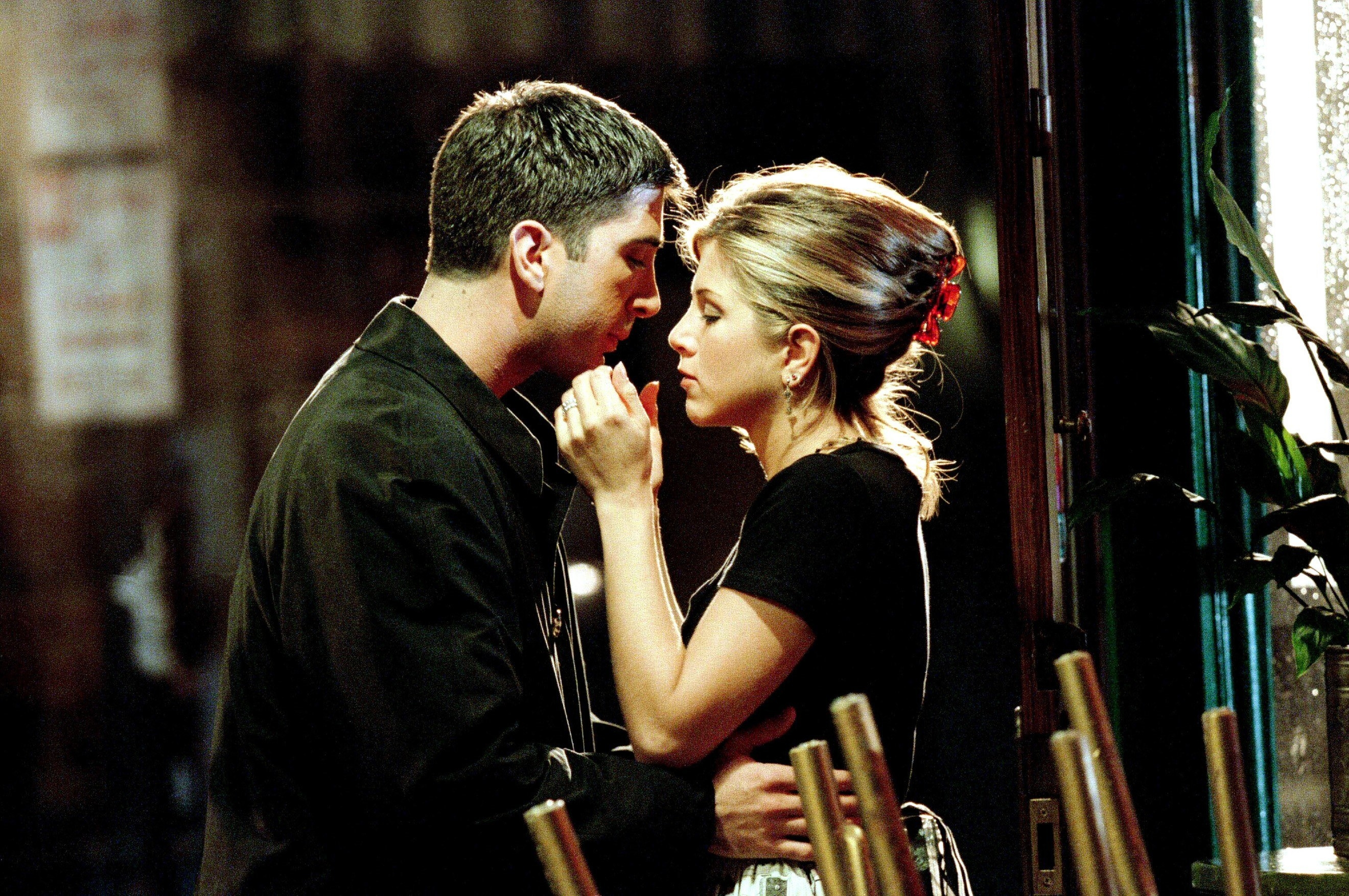Rachel and Ross about to kiss