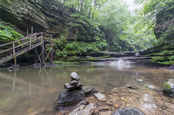 Photo of a canyon in Matthiessen State Park