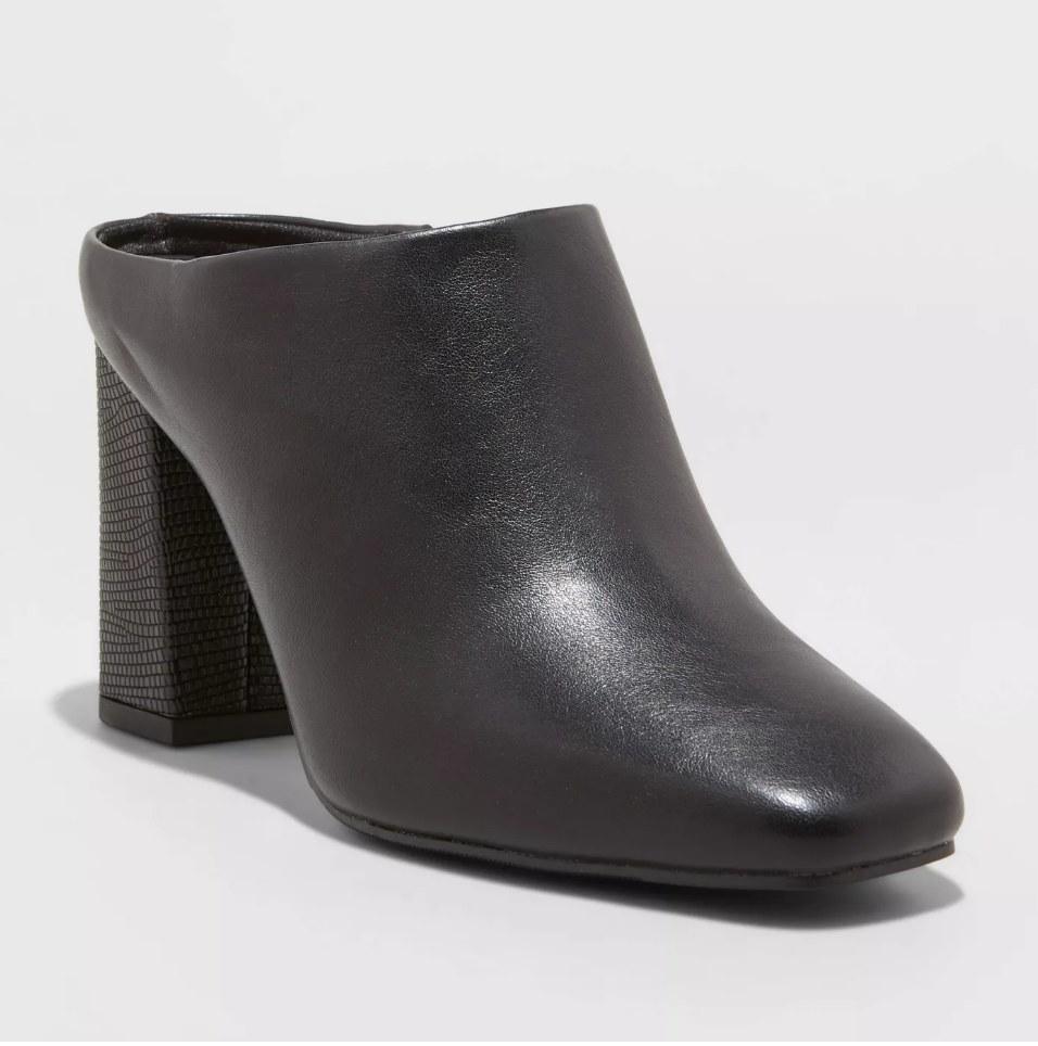 Black heeled mule