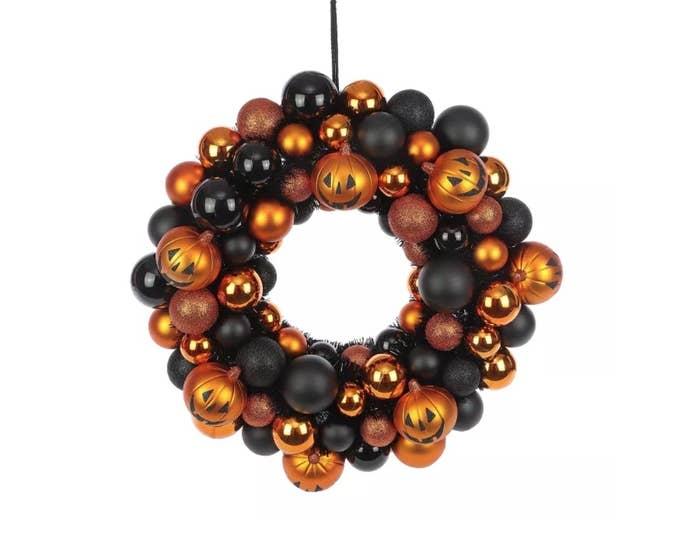 the pumpkin door wreath