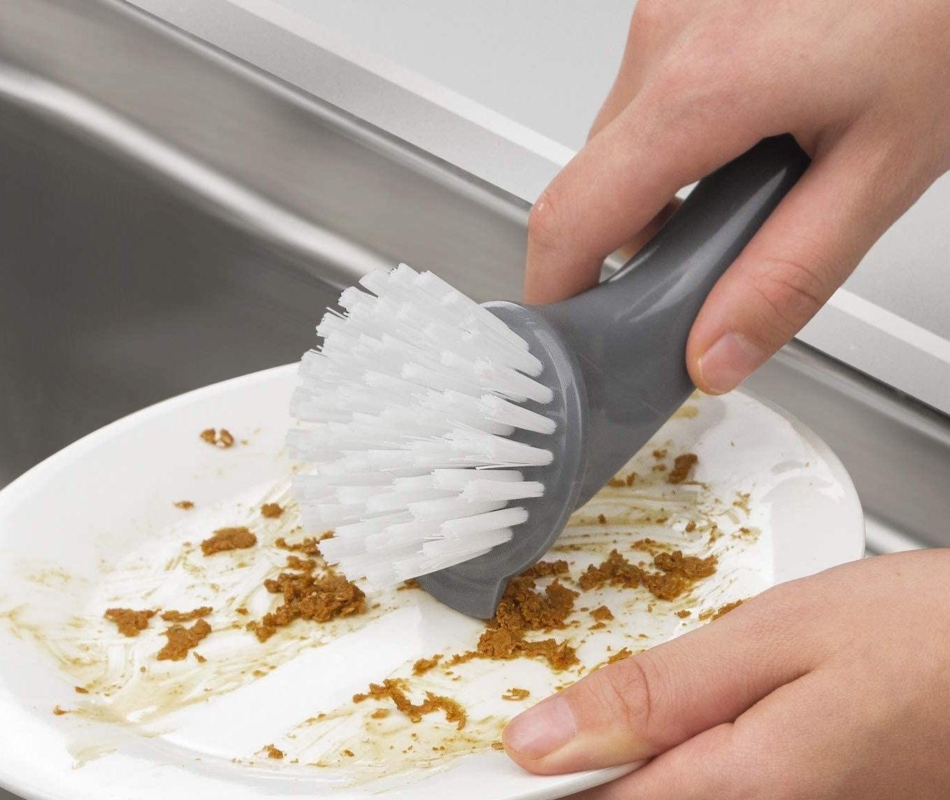 cepillo de limpieza para platos y ollas