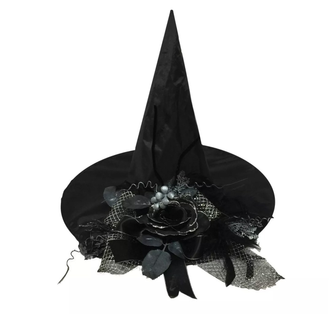 the witches hat with flowers