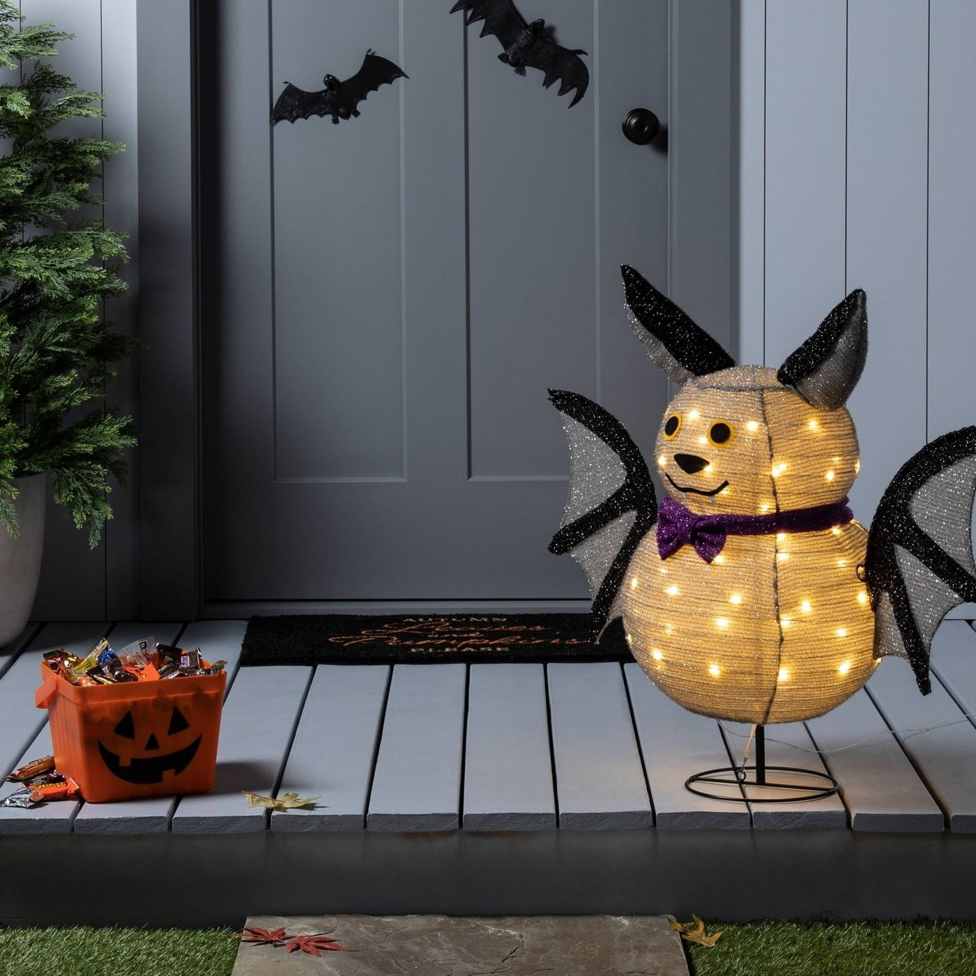 A LED bat halloween decor
