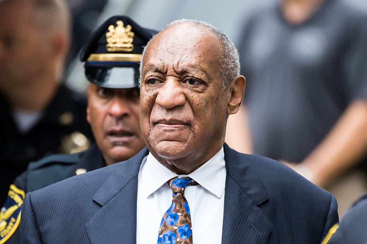 Actor Lili Bernard Has Filed A Lawsuit Against Bill Cosby For Allegedly Drugging And Raping Her In 1990