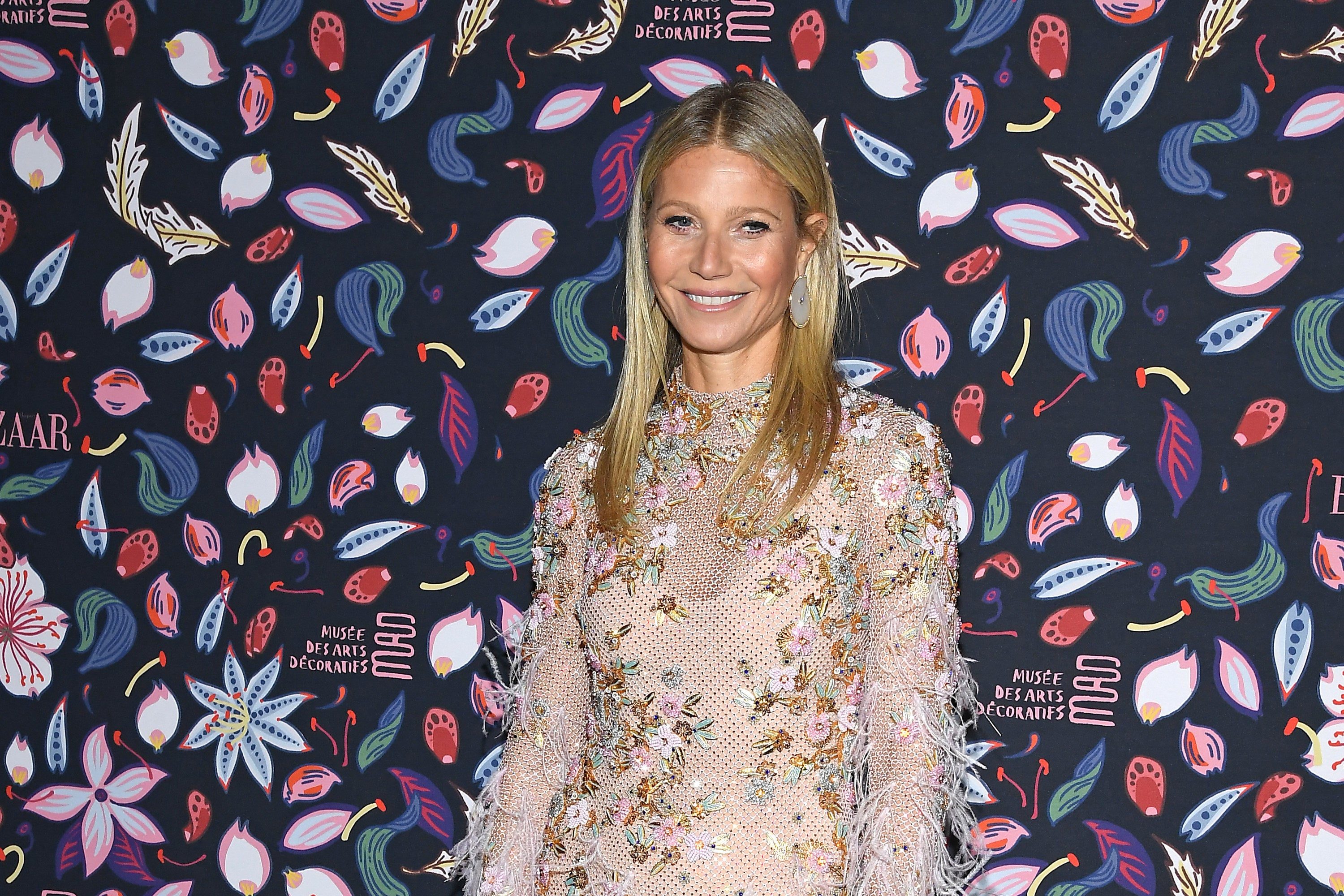 """Gwyneth Paltrow Got Candid About Giving Birth And How She """"Almost Died"""" While In Labor With Her Daughter Apple"""