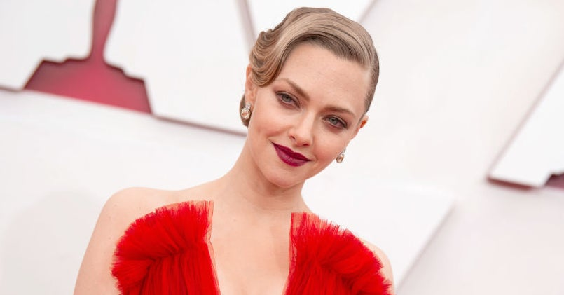 """Amanda Seyfried Revealed The """"Tricky"""" Health Challenges She Faced During Her Son's Birth"""