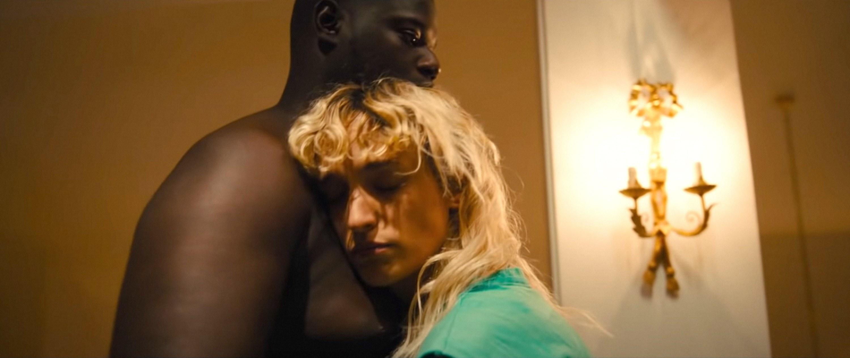 Agatha Rousselle hugs Lamine Cissokho