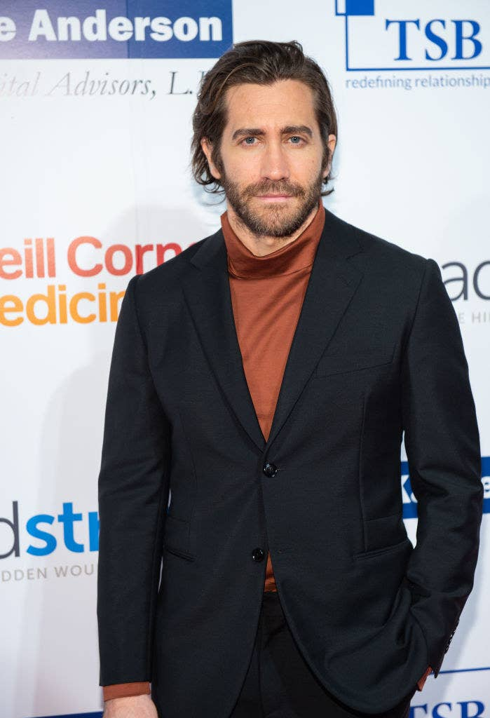 Jake Gyllenhaal attends the 7th Annual Headstrong Gala