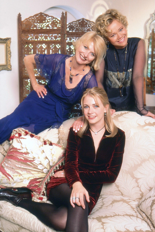 Sabrina with Aunt Hilda and Aunt Zelda