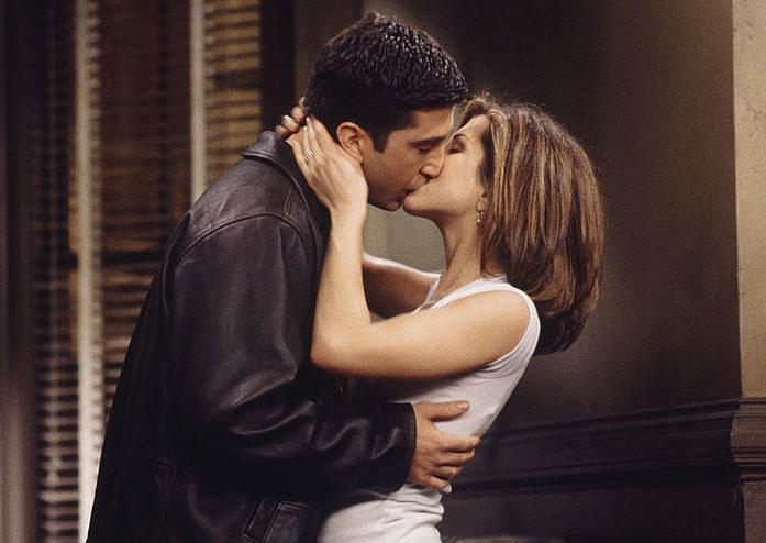 Ross and Rachel kiss