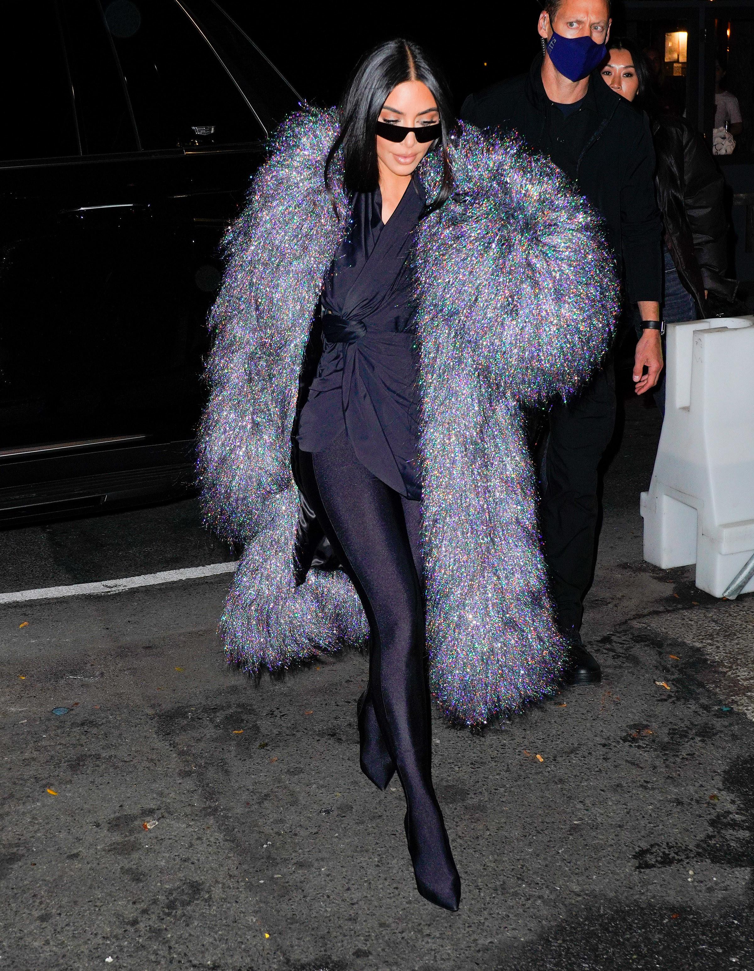 Kim Kardashian arrives at SNL cast dinner in New York