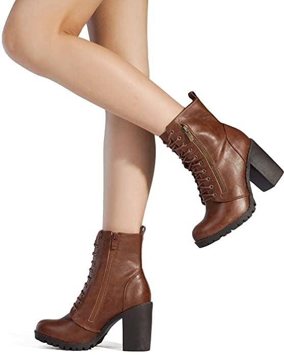 Botas altas con tacón ancho