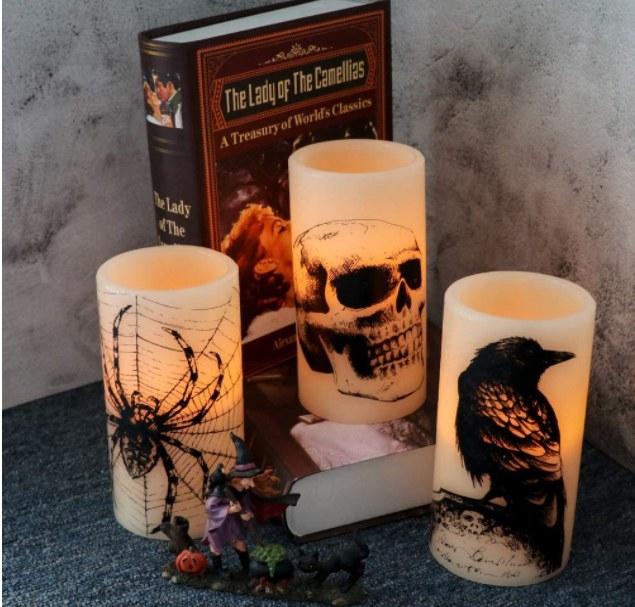 Foto de velas de cera real con luz falsa