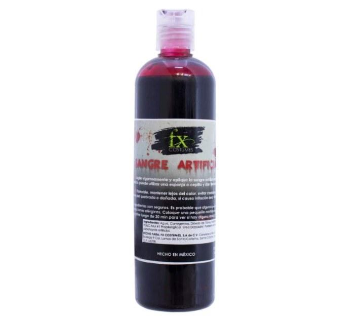 Foto de pintura roja que luce como sangre artificial