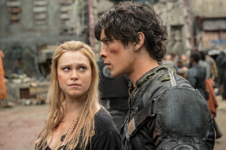 Clarke gives Bellamy a look